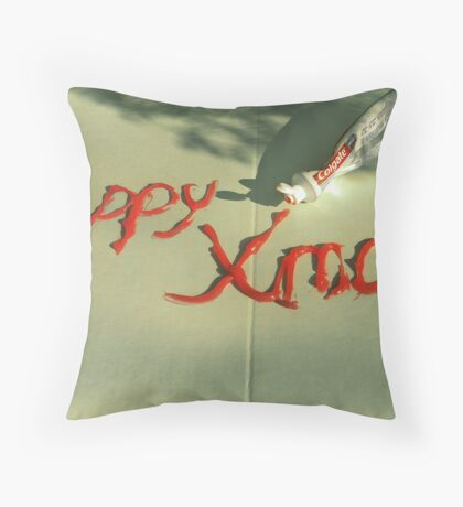 Karacsonyi udvozlet Throw Pillow
