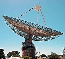 RadioTelescope. Parks Australia. by nJohnjewell
