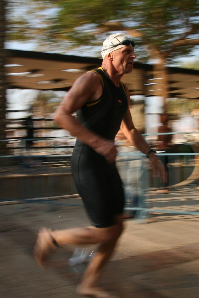 triathlon runner by Bernard Raskin