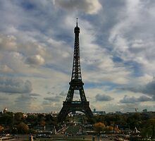 The World Famous Eiffel Tower by bizzarre17