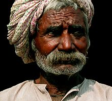 GYPSY MAN - DELHI by Michael Sheridan