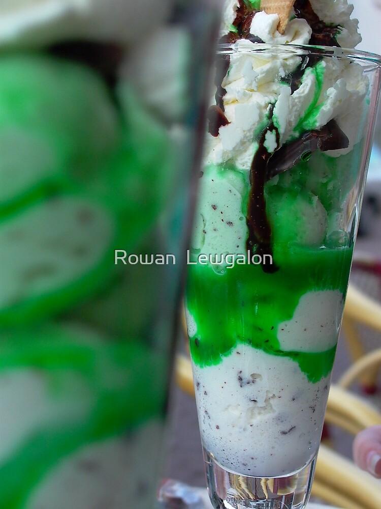 After Eight Icecream by Rowan  Lewgalon