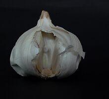 Garlic by Rowan  Lewgalon