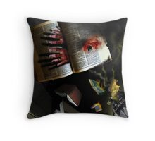 THE BOOK THAT SCREAMED Throw Pillow