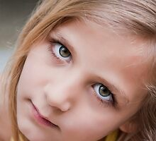 THE  LOOK..!! by vaggypar