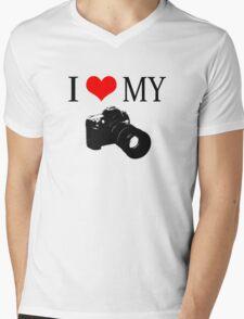 I Love My Camera ll Mens V-Neck T-Shirt