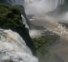 Yguazu Waterfalls - DEVIL´S THROAT by macgiorgio