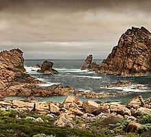 Sugarloaf Rock - Yallingup by LukeAustin