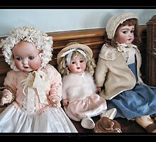 Old dolls by Roberta Angiolani