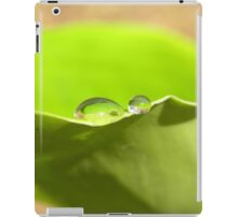 Portfolio: Water drops on green leaf iPad Case/Skin