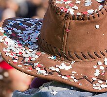 confetti on the hat to the carnival by spetenfia