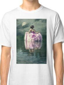 dancing in the moonlight Classic T-Shirt