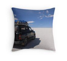 salar de uyani, bolivia Throw Pillow
