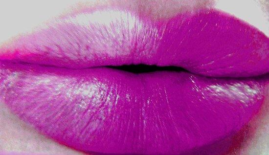 Kiss Me... by Dmarie Frankulin