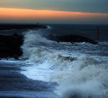 Warning  - High seas and gale force winds expected by Photography by Mathilde