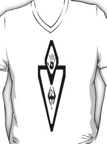 Skyrim vector/mapicon/darkbrohoodlogo T-Shirt