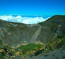 crater del Volcan Irazu, en Cartago by edherrera