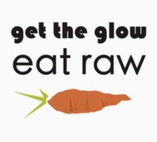 get the glow, eat raw (black font, crooked carrot) T-Shirt
