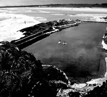 Sawtell Rock Pool by Colin Leal