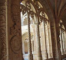 Lisbon, Mosteiro dos Jeronimos, Igreja de Sta Maria - Cloister detail by presbi