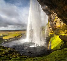 ICELAND:THE WATERFALL AND THE RAINBOW by philaphoto