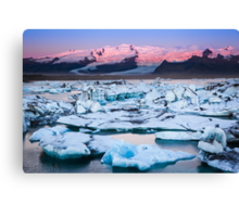 ICELAND:SUNRISE AT THE GLACIER LAGOON Canvas Print
