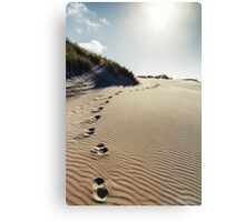 NEW ZEALAND:FOOTSTEPS IN THE SAND Canvas Print