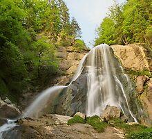 Last sunrays on Dard waterfall by Patrick Morand