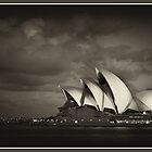 Opera house - Limited Edition by TedVanderloo