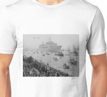 Canberra returns to UK from Falklands War Unisex T-Shirt