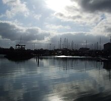 Harbour Light   by spacer6789