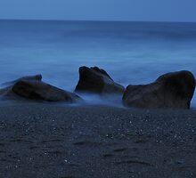 Misty rocks by puzzleman
