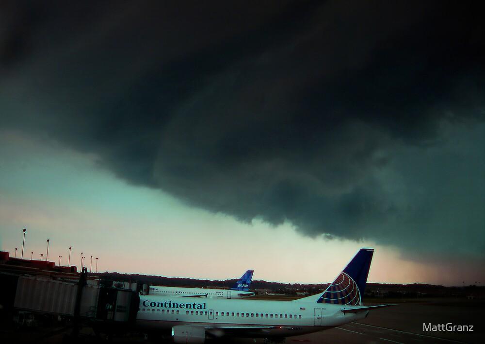Shelf Cloud Slams Pittsburgh International by MattGranz
