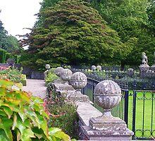Glamis Gardens by lezvee