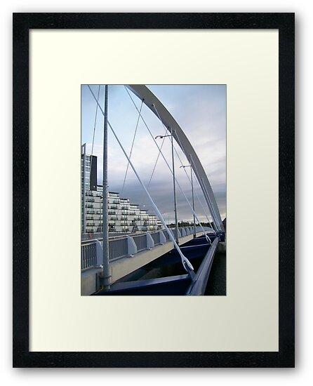 Squinty Bridge by ElsT