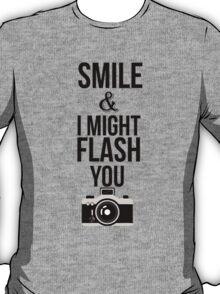 Smile - T T-Shirt