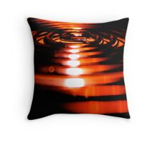 curled heat Throw Pillow