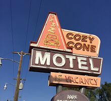 Cozy Cone Motel by marcelaya