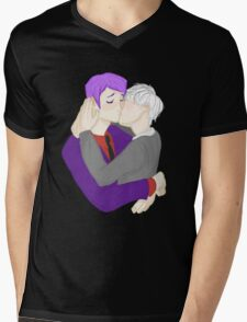 Cute Nerd Kiss Mens V-Neck T-Shirt