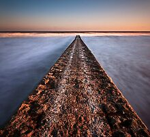 Dawlish breakwater by greenbunion