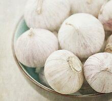 Still life of garlic in a bowl by Artmassage