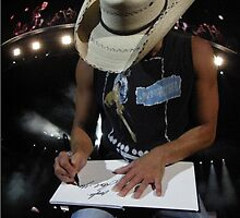 Kenny Chesney SIGNING MY BOOK!!!!  by Angela Lance