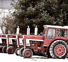 Vintage Tractors by thewaterfallhunter