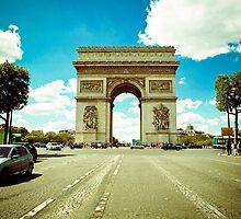 Arc de Triomphe by Jorge Quinteros