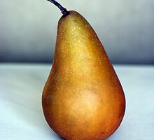 The Pear by DiEtte Henderson