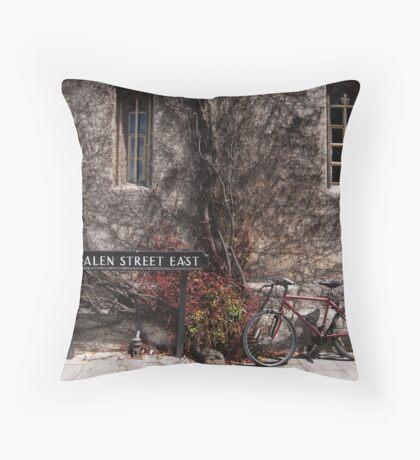 magdalen street east, oxford Throw Pillow