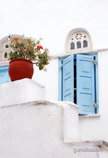 Red geranium, Tinos, greece by gumblossom