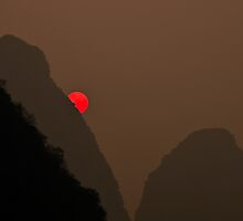 Yangshuo Sunset by ianclavis