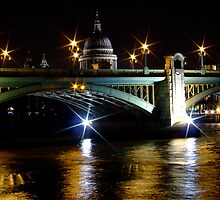 LONDON AT NIGHT by Scott  d'Almeida