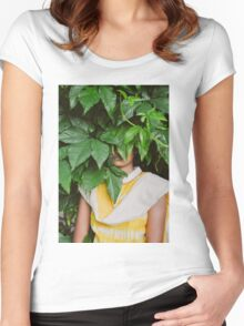 hiding place Women's Fitted Scoop T-Shirt